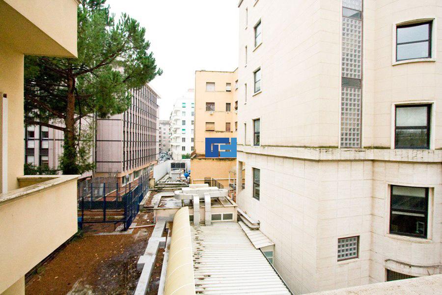 Appartamento parioli pinciano vendita roma for Appartamento uso ufficio roma
