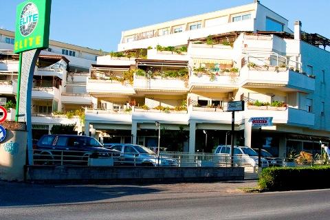 Locale commerciale a santa marinella 300 mq in affitto for Affitto locale c1