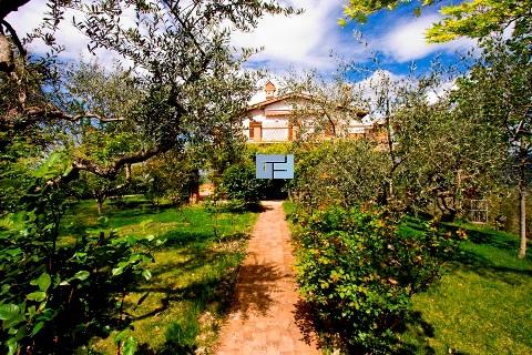 Villa umbria vendita terni - Manutenzione caldaia umbria ...